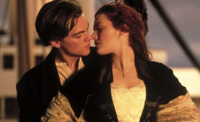 Jack and Rose titanic sharing their first kiss on the deck